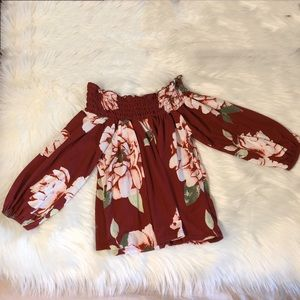 Off the Shoulder Red Floral Top Size Small